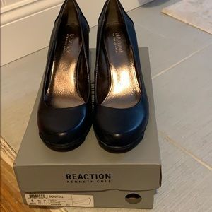 Women's Kenneth Cole reaction wedge size 9 NIB